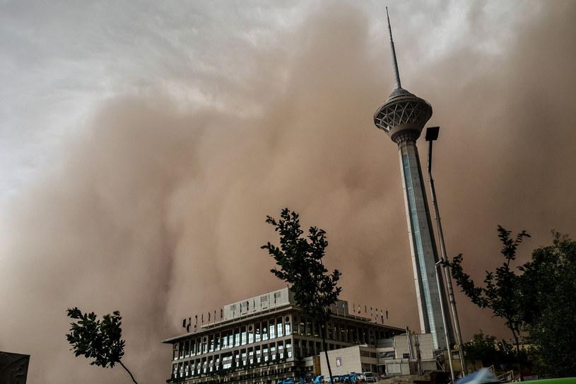 Apokaliptyczna chmura nad Teheranem /AFP