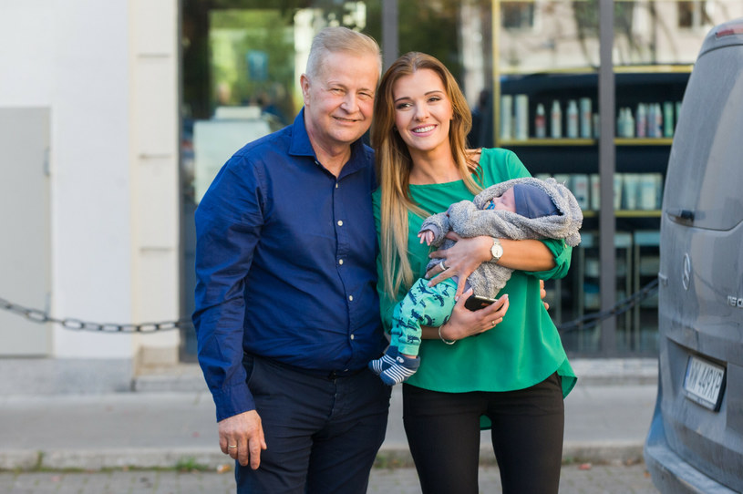 Apoloniusz Tajner z Izabelą Podolec i Leopoldem /Artur Zawadzki /Reporter