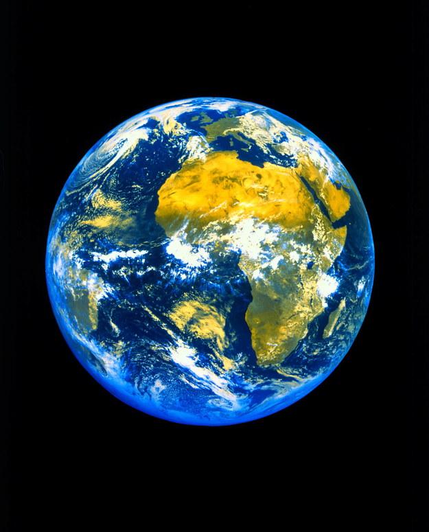 Apophis w najbliższych dekadach zbliży się do Ziemi dwa razy /picture alliance /PAP/DPA