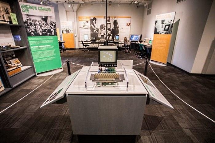 Apple I - działający egzemplarz w nienaruszonym stanie jest wart... około miliona dolarów. Fot. Dario Impini/ Living Computer Museum + Labs. /materiały prasowe