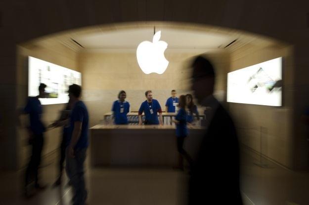 Apple podbija kolejne rynki i swoją wartość /AFP
