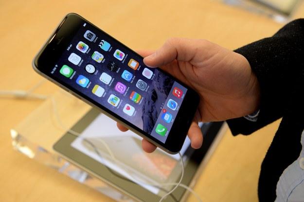 Apple przerywa milczenie ws. wygiętych iPhone'ów