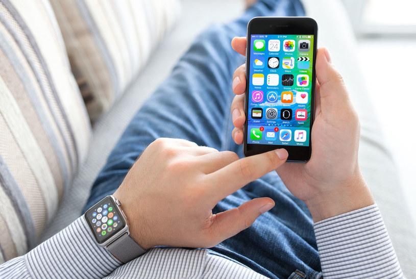 Apple zamierza połączyć Touch ID z dotykowym ekranem /123RF/PICSEL