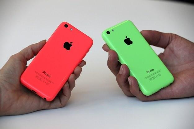 Apple zaryzykuje z nowym C? /AFP