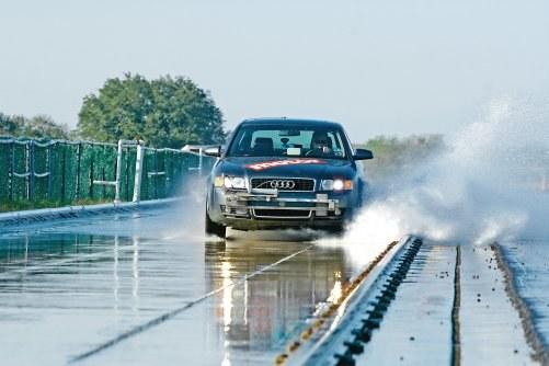 Aquaplaning wzdłużny /Motor