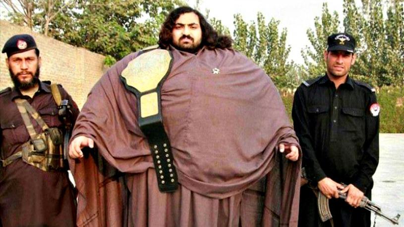 """Arbab """"Khan Baba"""" Khizer Hayat. Nie bez przyczyny mówi się o nim """"Pakistański Hulk"""" /materiały prasowe"""