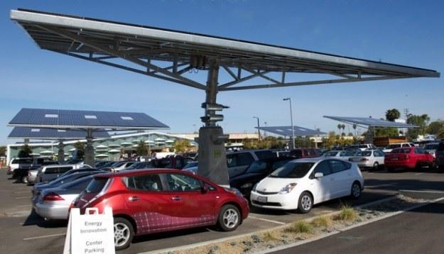 ARC EV to mobilna stacja solarna za 40 000 dol. /materiały prasowe