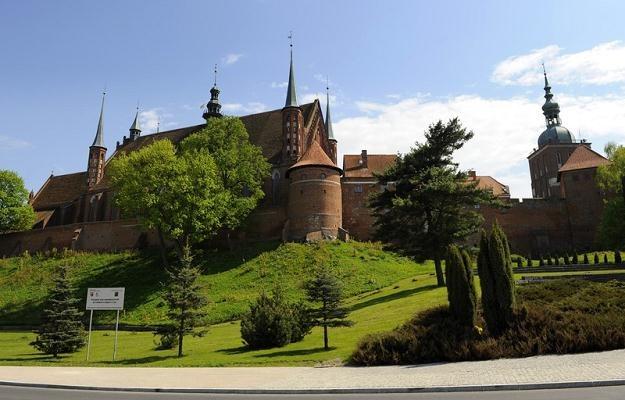 Archikatedra we Fromborku położona jest na Wzgórzu Katedralnym nad Zalewem Wiślanym/fot. B. Krupa /East News