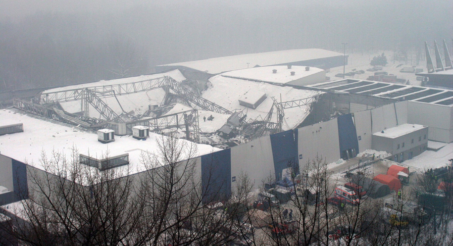 Archiwalne zdjęcie z miejsca katastrofy / Andrzej Grygiel