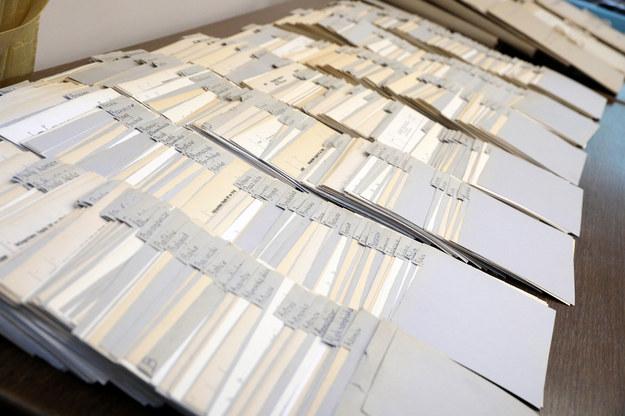 Archiwum Akt Nowych udostępni w internecie ok. 60 tys. dokumentów dot. strat i zbrodni wojennych /Piotr Molecki /East News