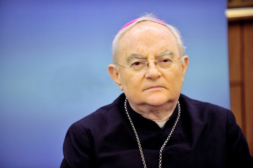 Arcybiskup Henryk Hoser /Wojtek Laski /East News