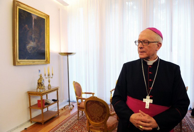 Arcybiskup Jean-Claude Perisset /AFP