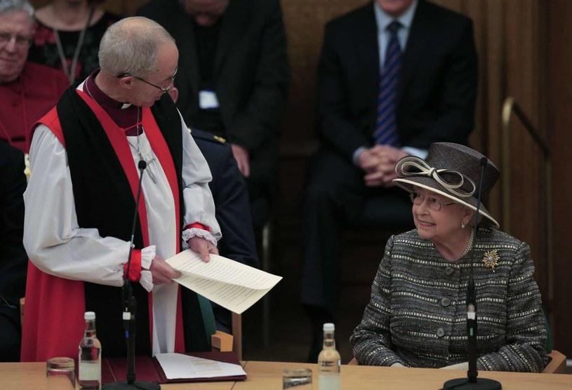 Arcybiskup Justin Welby i królowa Elżbieta II /AFP
