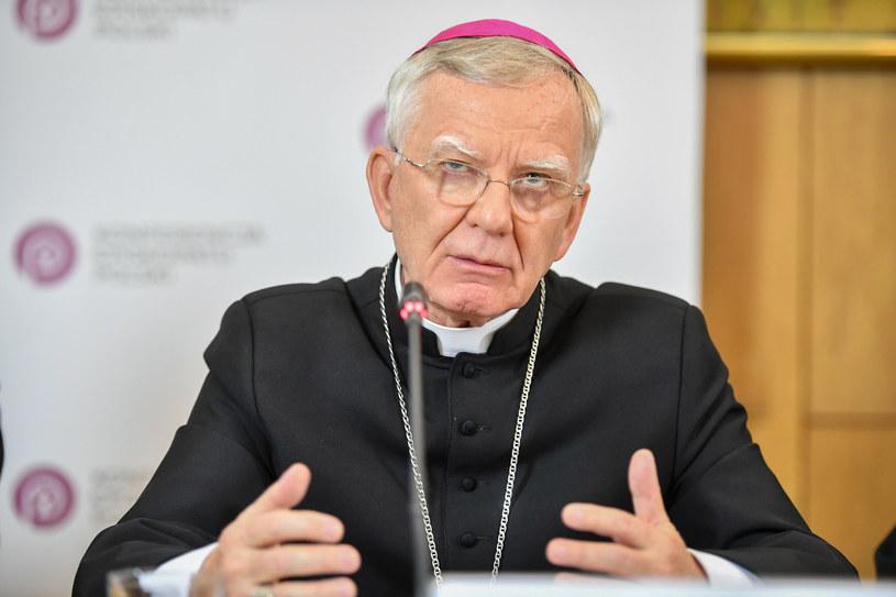 Arcybiskup Marek Jędraszewski podczas czwartkowej konferencji /Jacek Domiński /Reporter
