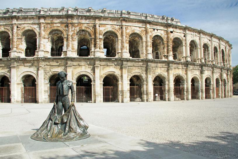 528d091e Arenes - amfiteatr przypominający rzymskie Koloseum /123RF/PICSEL