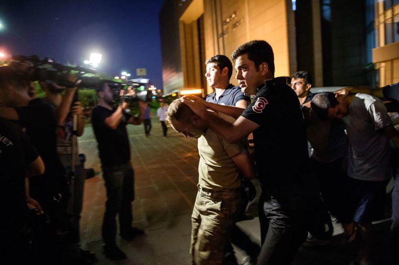 Aresztowani żołnierze podejrzani o zorganizowanie puczu /AFP