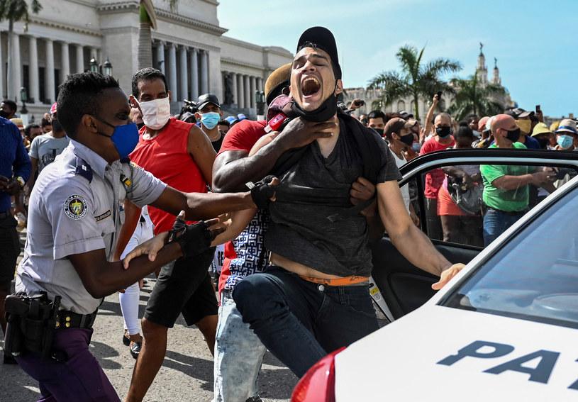 Aresztowania podczas demonstracji /AFP