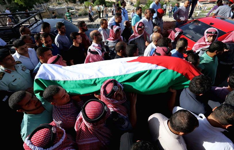 Aresztowano podejrzanego o dokonanie zamachu w obozie uchodźców palestyńskich Bakaa na przedmieściach stolicy Jordanii /EPA/STR /PAP/EPA