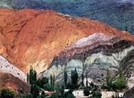 Argentyna, Purmamarca, wzgórze siedmiu kolorów /Encyklopedia Internautica