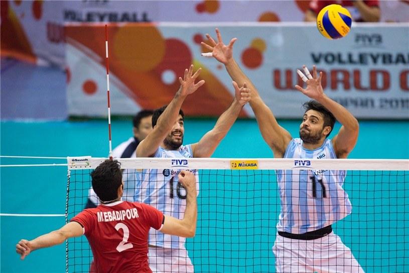 Argentyńczycy poradzili sobie z Iranem na początek turnieju /www.fivb.org