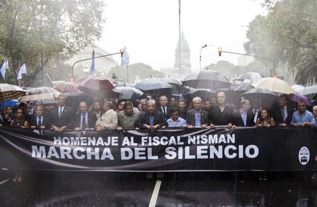 Argentyńczycy protestowali w strugach deszczu fot. Damian Dopacio /AFP