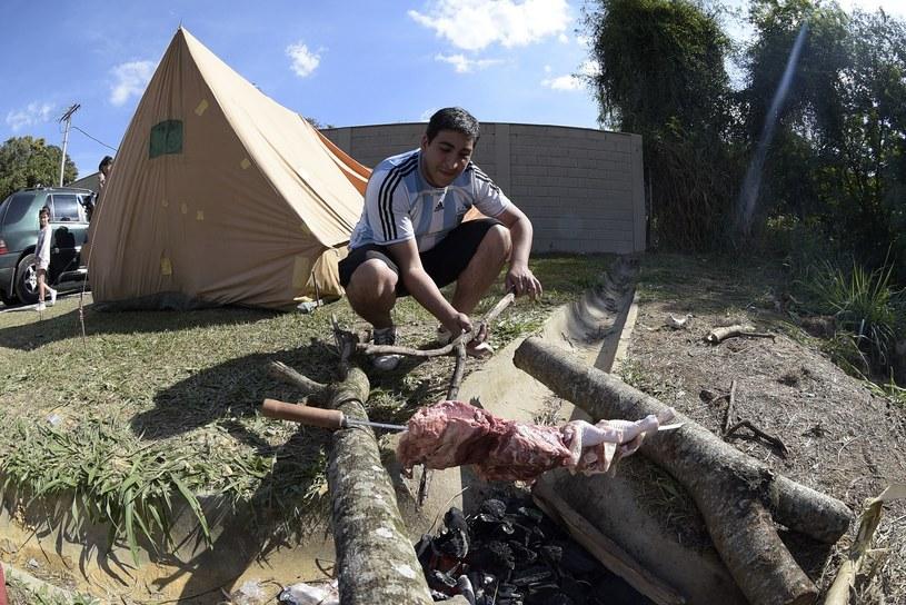 Argentyński kibic tak sobie radzi w Brazylii /AFP