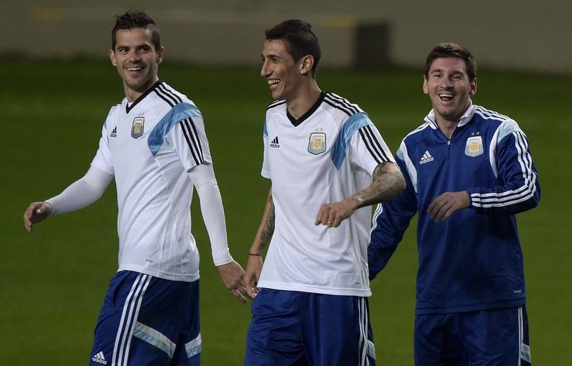 Argentyńskie gwiazdy: Lionel Messi (z prawej), Angel Di Maria (w środku) i Fernando Gago podczas treningu przed MŚ /AFP