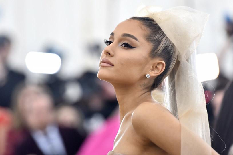 Ariana Grande na czerwonym dywanie w 2018 roku /Anthony Behar/Sipa USA /East News