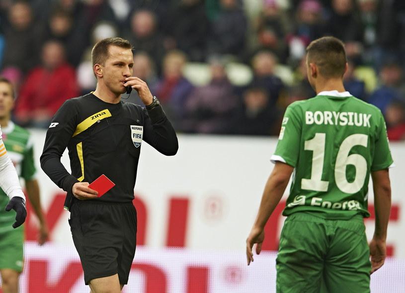 Ariel Borysiuk musi pauzować za czerwoną kartkę /Adam Warżawa /PAP