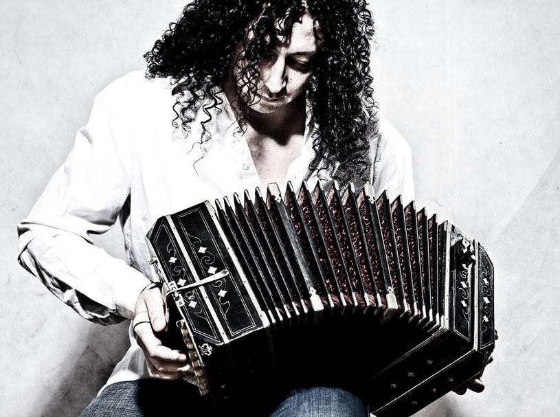 Ariel Ramirez gra na bandeneonie  /materiały prasowe
