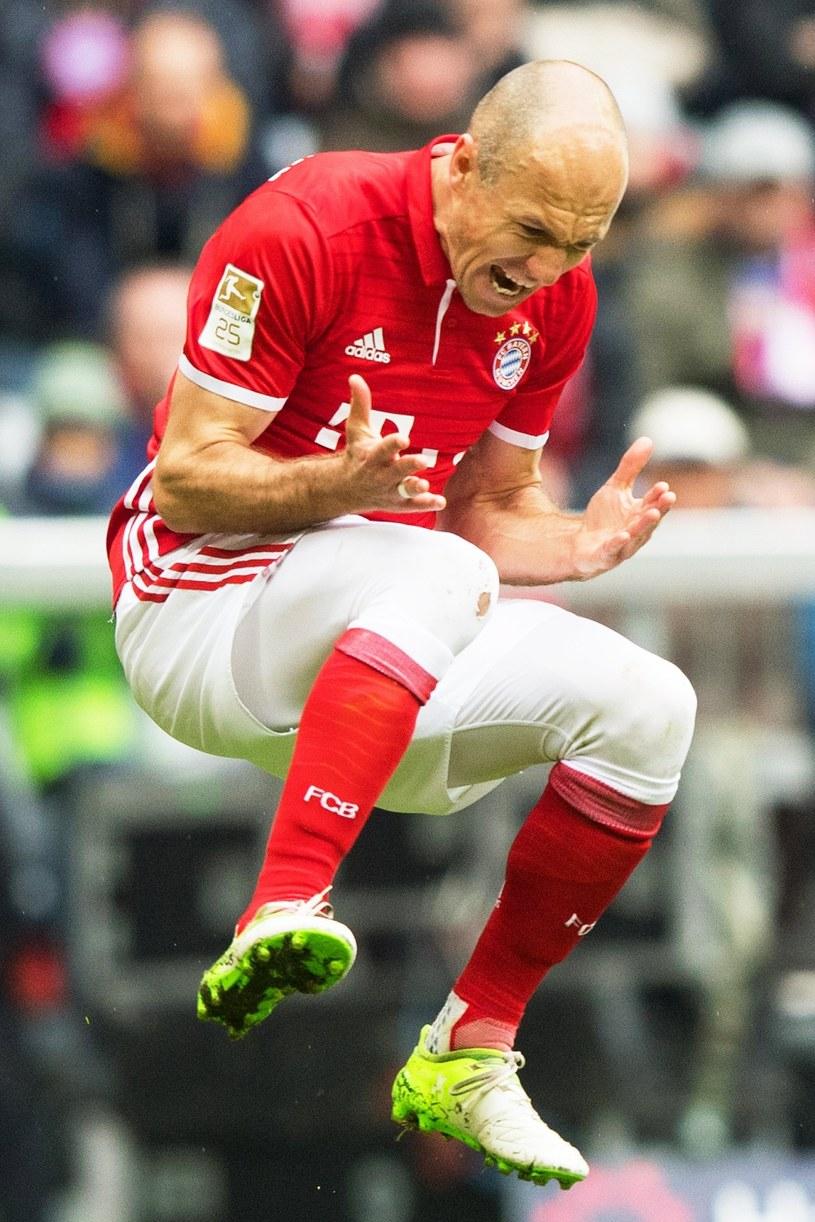 Arjen Robben cieszy się ze strzelonej bramki /PAP /