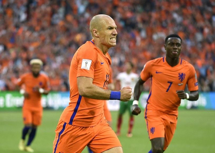 Arjen Robben i jego koledzy z reprezentacji Holandii stracą mundial w Rosji /AFP