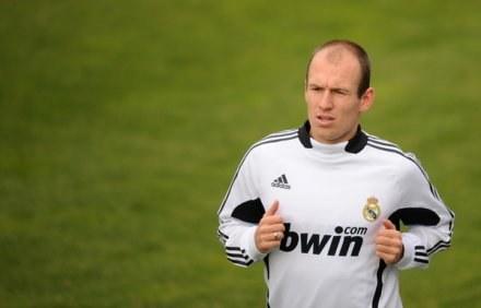 Arjen Robben jest na sprzedaż, ale dla Barca musiałaby zapłacić specjalną cenę /AFP