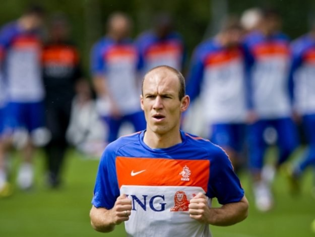 Arjen Robben - na niego liczą holenderscy kibice /AFP