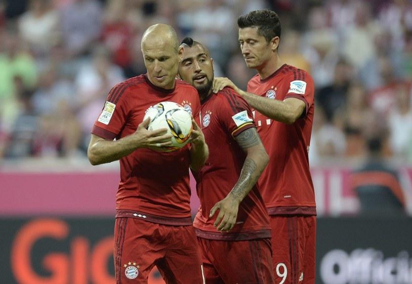 Arjen Robben (z lewej), Arturo Vidal (w środku) i Robert Lewandowski /AFP