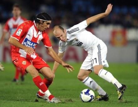 Arjen Robben zapowiada, że zakręci obrońcami Juventusu /AFP