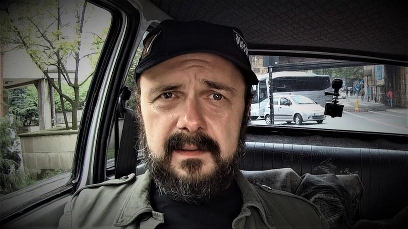 Arkadiusz Jakubik - fragment wywiadu zamieszczonego w serwisie YouTube.com/ na kanale: Duzy w Maluchu /materiały źródłowe