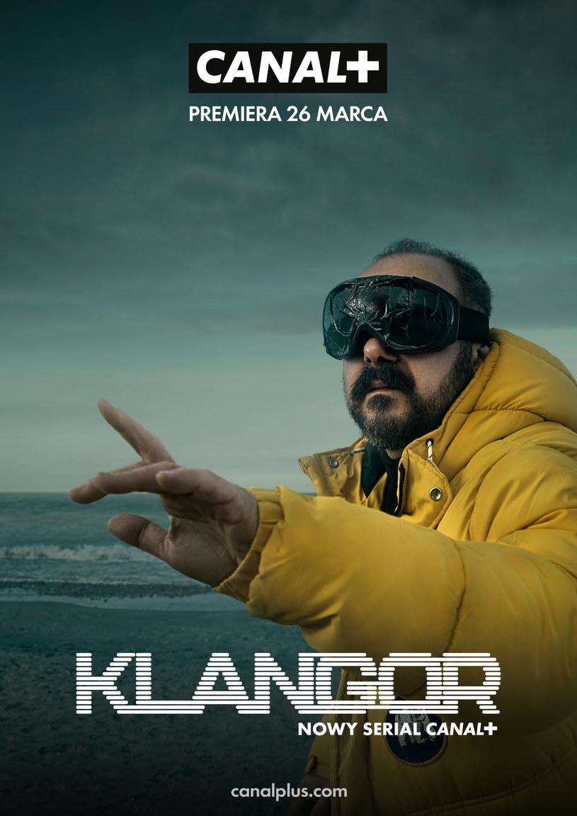 "Arkadiusz Jakubik na plakacie promująceym serial ""Klangor"" /Canal+"