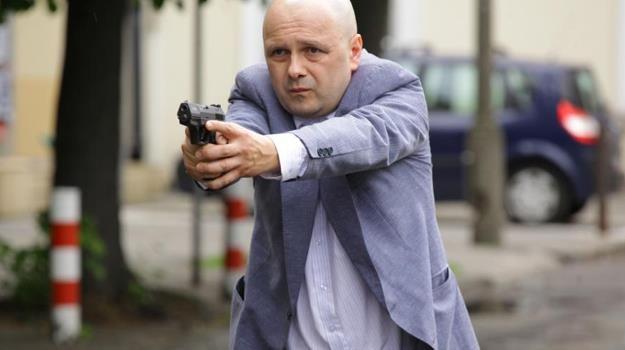 """Arkadiusz Jakubik w scenie z filmu """"Kochanie, chyba cię zabiłem"""" /materiały dystrybutora"""