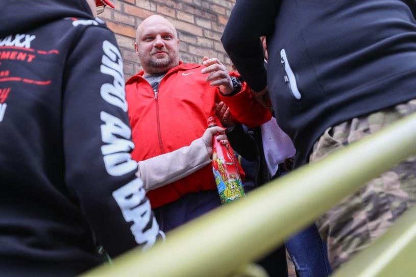 Arkadiusz Kraska wychodzi na wolność po odsiedzeniu 19 lat w więzieniu /Robert Stachnik /East News