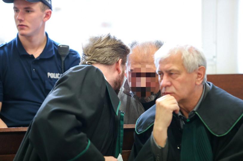 """Arkadiusz Ł. ps. """"Hoss"""" podczas rozprawy w poznańskim Sądzie Okręgowym w 2017 roku /Przemysław Szyszka/SE /East News"""