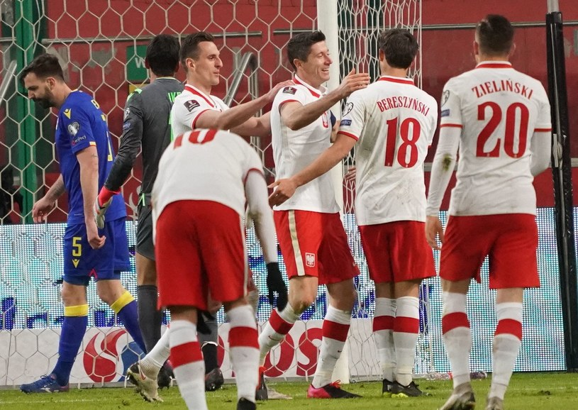 Arkadiusz Milik, Robert Lewandowski, Bartosz Bereszyński i Piotr Zieliński  podczas meczu z Andorą /AFP