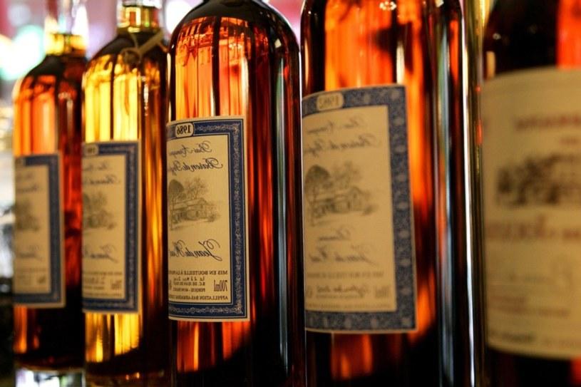 Armaniak - najstarsza francuska i europejska wódka z winogron. Gaskończycy do dziś szczycą się jej produkcją /East News