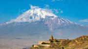 Armenia. Klasztory w cieniu świętej góry