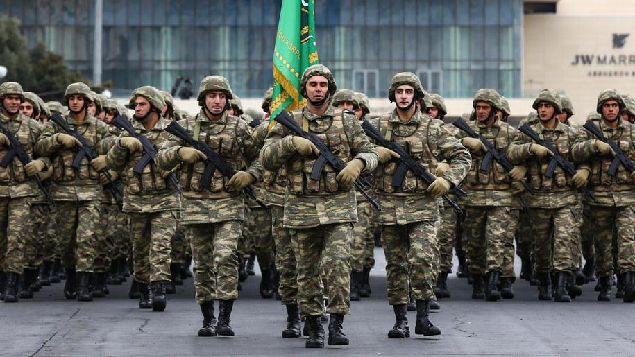 Armia azerbejdżańska podczas defilady wojskowej /POMAN ISMAYILOV /PAP/EPA