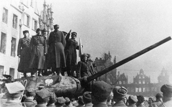Polscy i radzieccy żołnierze w Gdańsku, marzec 1945