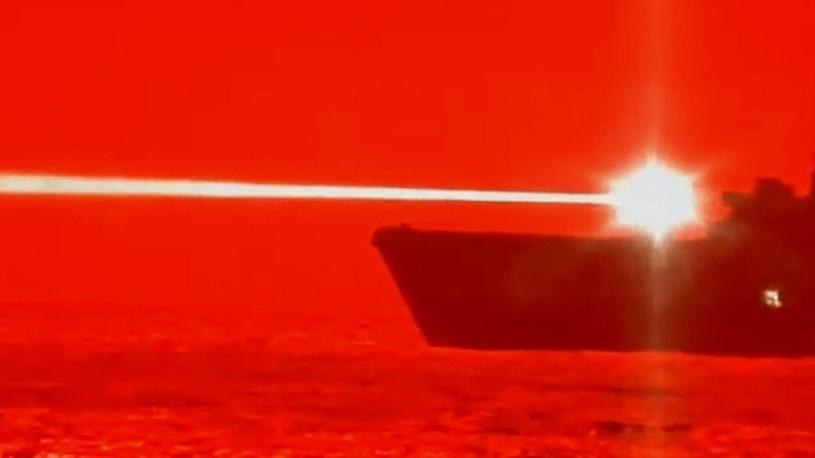 """Armia USA przetestowała broń laserową o potężnej mocy. """"Dron nie miał szans"""" [FILM] /Geekweek"""