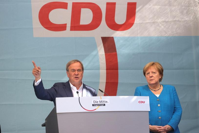 Armin Laschet i Angela Merkel /Friedemann Vogel /PAP/EPA