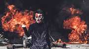 """Aro """"Podpalimy miasta"""": Ogień i seks"""