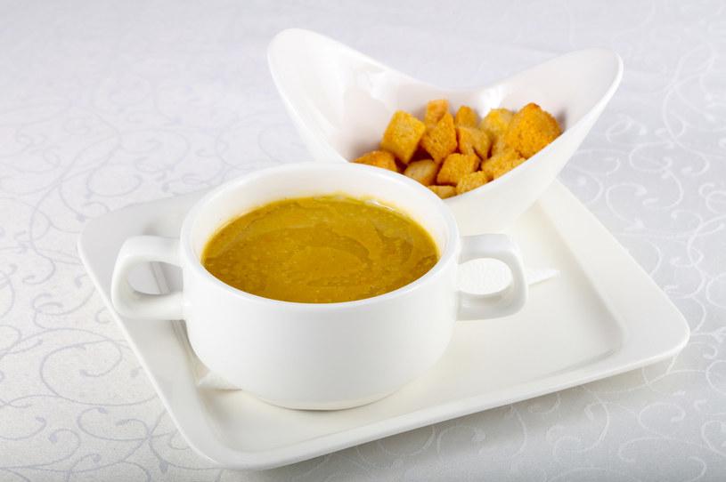 Aromatyczna zupa z dodatkiem imbiru na chłodne dni to przepis na smaczną poprawę odporności /123RF/PICSEL